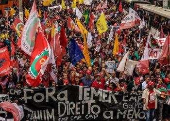"""Grito de los Excluidos. Miles de personas salen a las calles de Brasil al grito de """"Fuera Temer"""""""