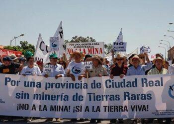 Exigen al Ayuntamiento de Torrenueva la convocatoria de un pleno en contra de la minería de tierras raras