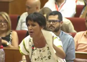 El Parlamento andaluz aprueba la propuesta de Podemos para mejorar las condiciones laborales de las camareras de piso