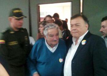 """""""Pepe"""" Mujica estuvo en Medellín saludando la paz de Colombia"""