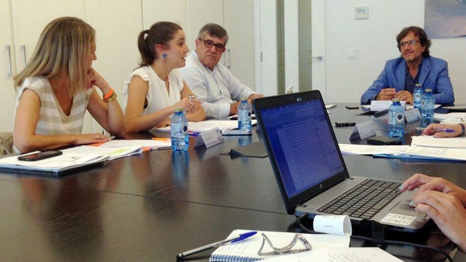 Eva Solla debateu en Compostela sobre os retos a futuro da sanidade en Galicia
