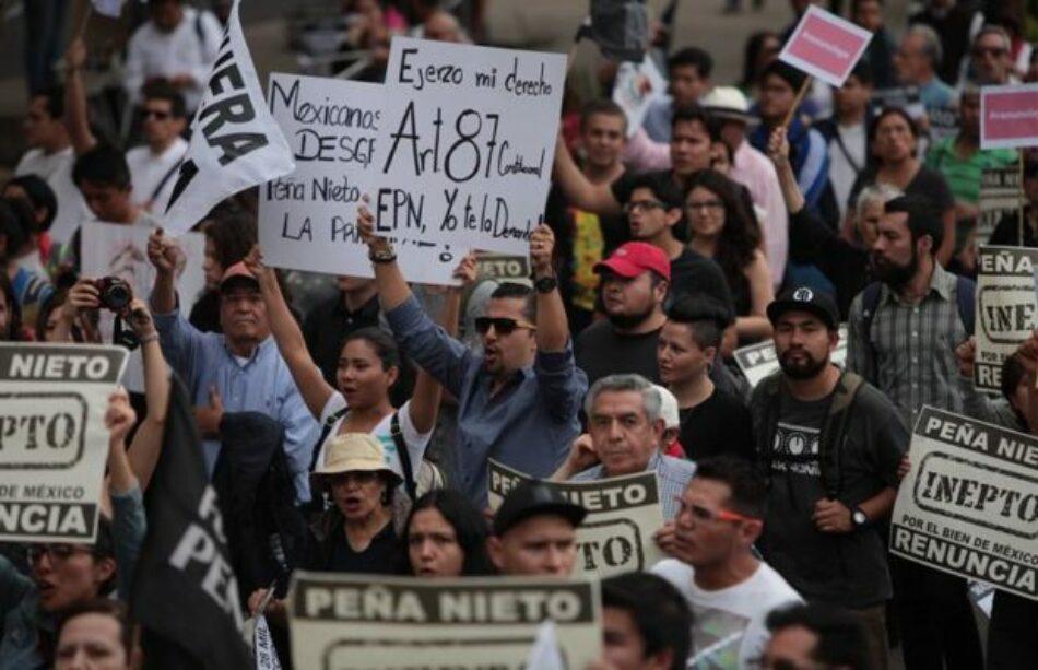 Multitudinaria marcha en México para exigir renuncia de Enrique Peña Nieto