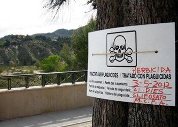 Demanen la substitució del glifosat i altres pesticides per mètodes no contaminants