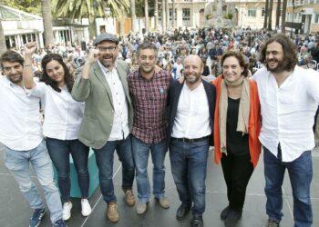 Luís Villares é arroupado por Ada Colau e  os alcaldes do cambio no seu mitin central na Coruña