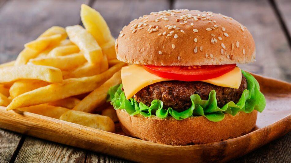 Un estudio confirma que la infancia está sobreexpuesta a la publicidad de alimentos poco saludables