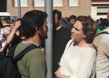 Activista por los derechos de 'los sin techo' a la alcaldesa de Barcelona: «existen 3000 sin techo en la ciudad»