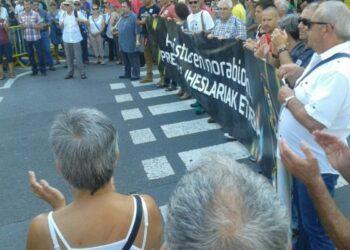 Euskal Herria: Dos manifestaciones exigieron la libertad para las y los presos vascos