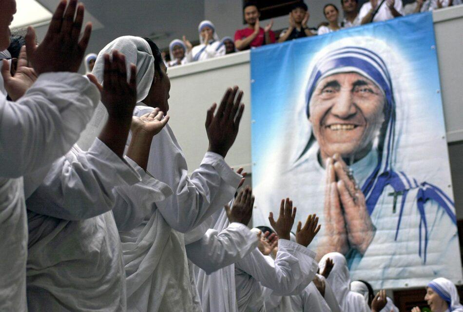IU pregunta al Gobierno en funciones por los detalles de la representación completa y el coste que supuso acudir a la canonización de Teresa de Calcuta