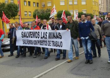 El PCE con los trabajadores de UMINSA y Endesa: «Por unas mineras y eléctricas públicas»