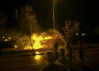 Se incendia el Parque 'Manolito Gafotas' de Carabanchel tras dos años sin desbrozar