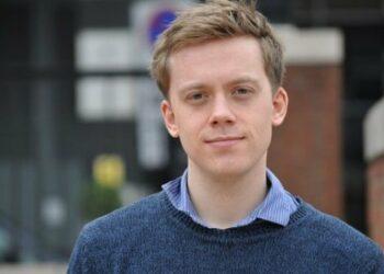 Owen Jones: «La solución al empobrecimiento de los trabajadores está en el sindicalismo»