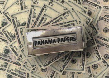 """Ven la luz los """"papeles de las Bahamas"""""""