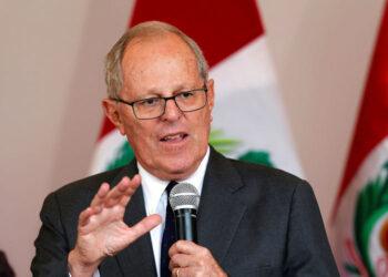 Presidente peruano propugna intervención en Venezuela