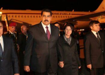 """Maduro convoca a opositores a dialogar con """"cordura"""" por la paz"""