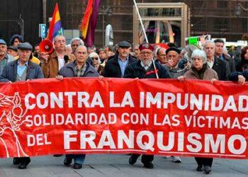 La Fiscalía General maniobra para que la Justicia argentina no pueda investigar la represión franquista, como ha quedado patente con las trabas para que Gerardo Iglesias no declare