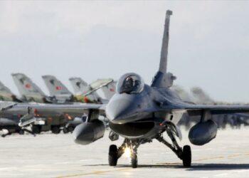 Ankara teme aviso sirio y cesa ataques aéreos en Siria e Irak