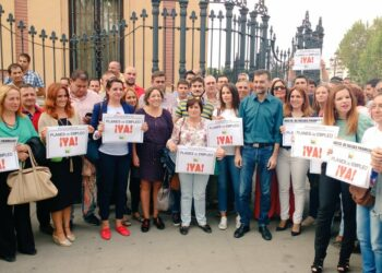 """IU exige que la Junta de Andalucía active """"de inmediato"""" los planes de empleo que lleva prometiendo desde marzo de 2015"""