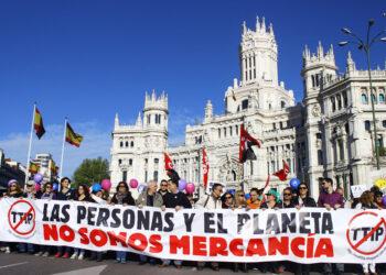 20.000 personas se manifiestan en Madrid para exigir el fin de las políticas que generan pobreza y desigualdad  y la paralización de los Tratados TTIP, CETA y TISA