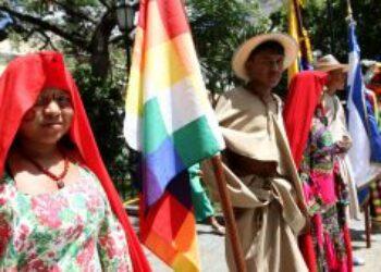 Venezuela: Maduro reivindicó el anticolonialismo en acto por el Dia de la Resistencia indígena
