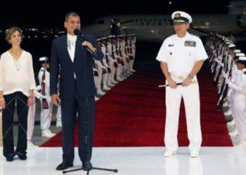Correa reitera apoyo de Ecuador a la paz en Colombia