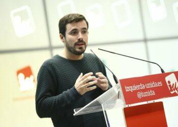 """Garzón critica que """"cuando el PP se ha revelado como la cueva de Alí Babá, el PSOE estudia cómo hacer presidente al jefe de la banda"""""""
