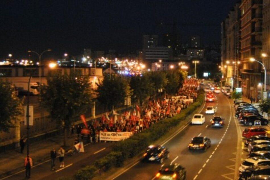 Miles de persoas manifestánse contra o ERE en Extel e por un traballo digno nos centros de chamadas