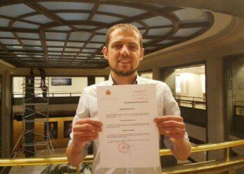 Florent Marcellesi toma su acta de eurodiputado de EQUO prometiendo defender los derechos de las personas dentro de los límites del planeta