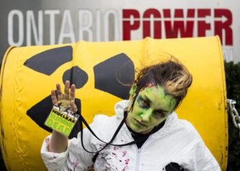 Greenpeace presenta un exhaustivo informe que por primera vez analiza la oportunidad económica y social de un futuro sin nucleares