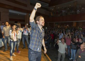 Iglesias llama a la militancia de Podemos a prepararse para la huelga general