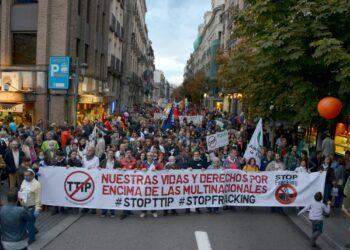 """Trasladan su """"absoluto respaldo"""" y su """"total implicación"""" con las movilizaciones del 15 de octubre contra el TTIP y el CETA"""
