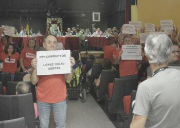 «Srs. del PP: la sede de la Asociación Vecinal de Orcasitas no se toca»