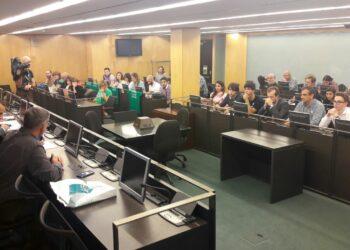 IU intercambia propuestas con representantes de la comunidad educativa «para derogar la LOMCE y paralizar las reválidas desde la movilización y el apoyo a la huelga del 26O»
