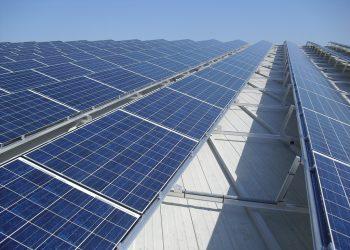 La Comisión Europea pone en riesgo la transición a las energías renovables al dejarla en manos de las grandes eléctricas reacias al cambio