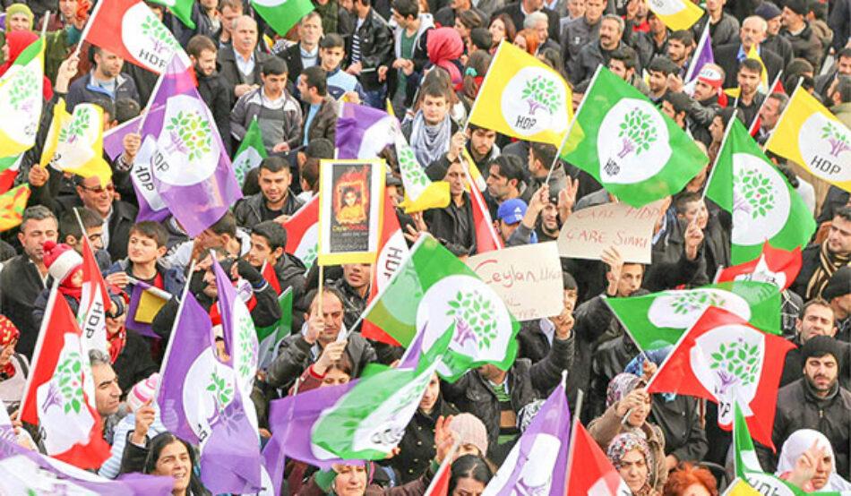 El Partido Comunista de España se solidariza con el HDP (Partido Democrático del Pueblo) por la persecución que está sufriendo por parte del régimen turco