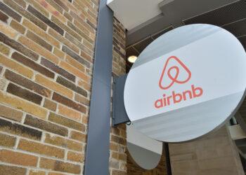 Unidos Podemos presenta una moción para que AirBNB facilite a Hacienda información fiscal de los anfitriones