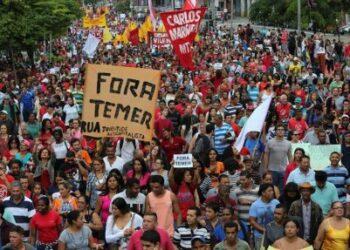 Trabajadores de Brasil realizan paro nacional en rechazo a medidas de Temer