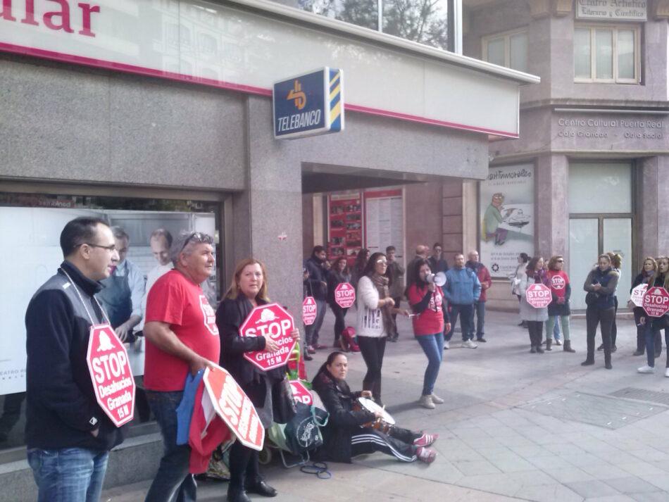 Piden la dación en pago al Banco Popular para una familia en Granada