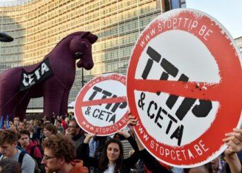 El Parlamento Europeo insiste en acelerar la aprobación del CETA