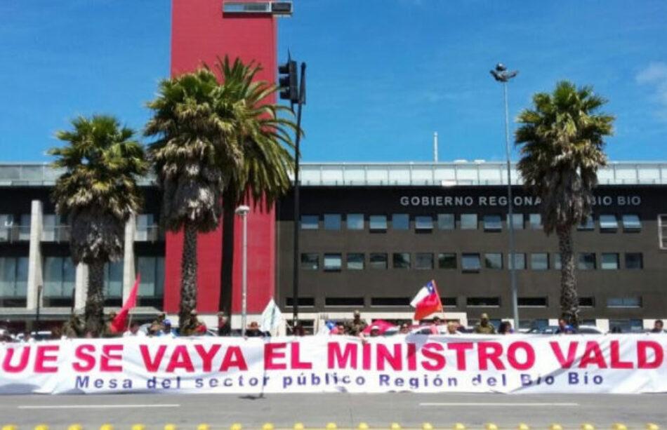 Un duro golpe a las y los trabajadores públicos en Chile