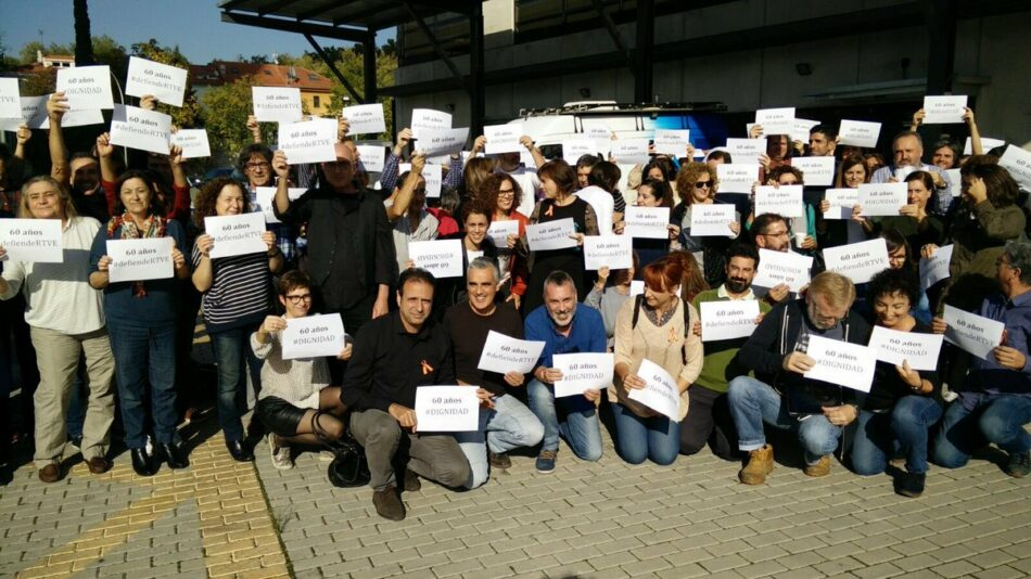 TVE, un 60ª aniversario reivindicativo, trabajadores se concentran frente a Torrespaña