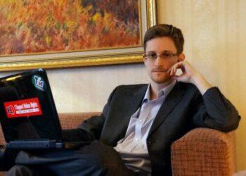 Tribunal alemán ordena permitir invitación de Edward Snowden
