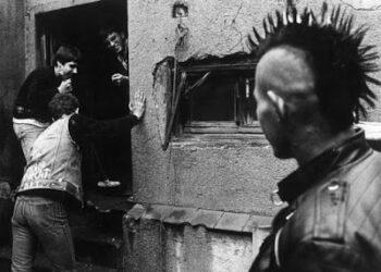 Barrio Canino vol.196 – Historia del punk en Madrid. Documental «Lo que hicimos fue secreto»