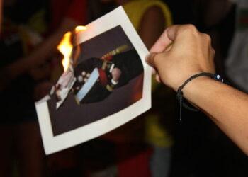 L'esquerra independentista emmarca la persecució per la crema de fotos del rei en una estratègia repressiva de l'Estat contra la llibertat d'expressió