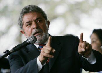 Lula quiere encender a la militancia: El ex presidente brasileño llamó a armar un frente de izquierda