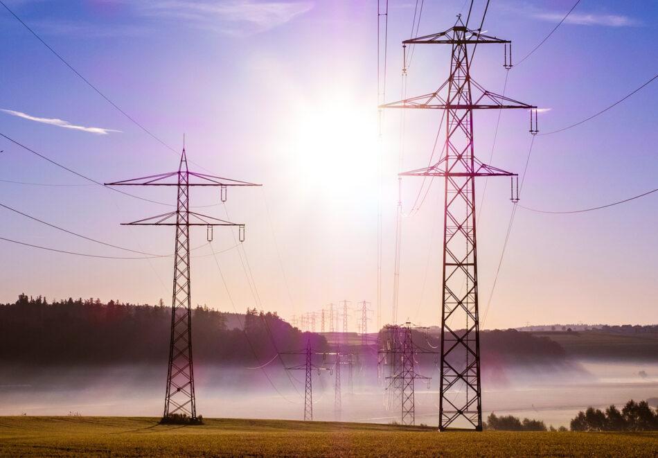 Las grandes eléctricas ganan 4.277 millones en los nueve primeros meses del año, un 1,3% más