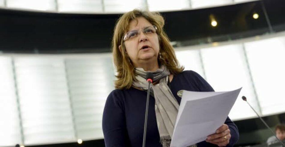 López (IU) critica ante De Guindos la sumisión del Gobierno por la posible suspensión de los fondos estructurales