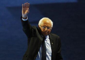 Bernie Sanders no descarta posible candidatura en 2020