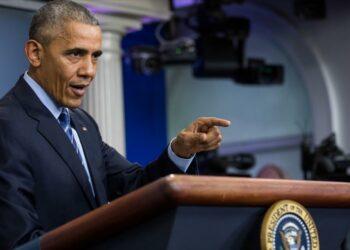Obama: Rusia, por ser un país débil, nunca podrá debilitar a EEUU