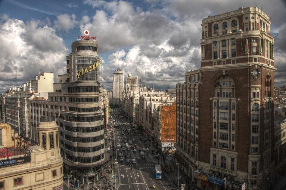 El cierre parcial de Gran Vía al tráfico ha mejorado la calidad del aire en el centro de Madrid