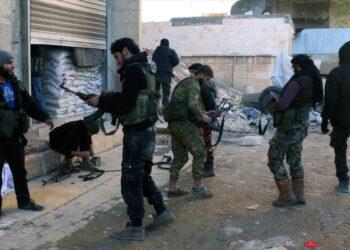 Rusia: Más de 1300 rebeldes deponen las armas en Alepo